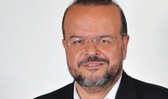 «Πρωθυπουργός-όμηρος, εγκλωβισμένος στο τρίγωνο των προεκλογικών deals, δεσμεύσεων και γραμματίων».   Άρθρο του Αλέξανδρου Τριανταφυλλίδη στη Thessnews