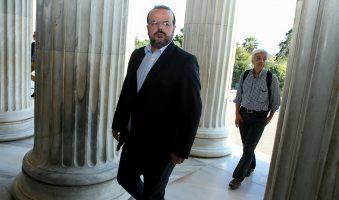 Α.Τριανταφυλλίδης: «Αδιανόητη η απαγόρευση έκφρασης άποψης του Δ.Τσοβόλα μπροστά στο Ναό της Δημοκρατίας».